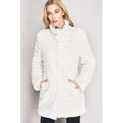 Cappotto in eco-pelliccia...