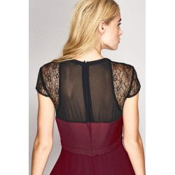 Short sleeve lace dress with pleated skirt Gaudì